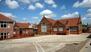 Hadleigh Junior School Outside