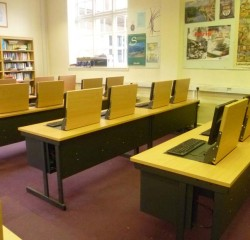 All screens in use in versatile flip screen desk classroom